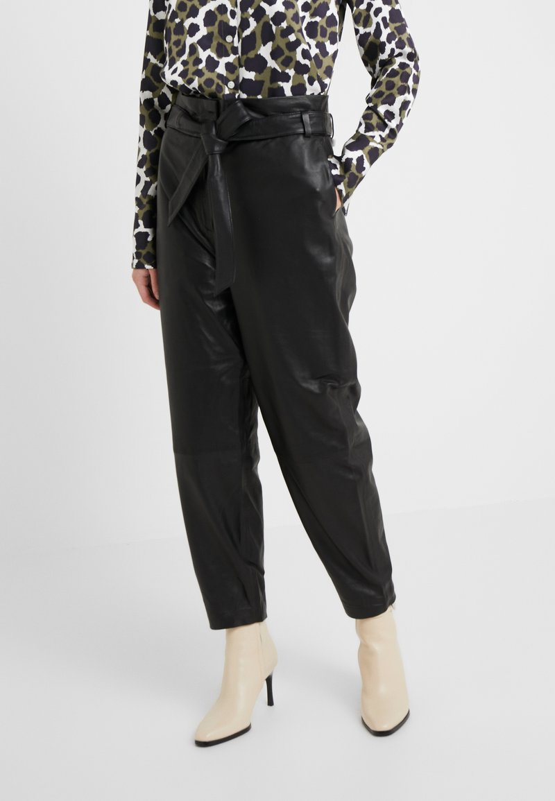 Bruuns Bazaar - PECAN ARISTA PANT - Leather trousers - black