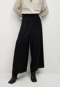 Mango - AREVA - Spodnie materiałowe - schwarz - 0