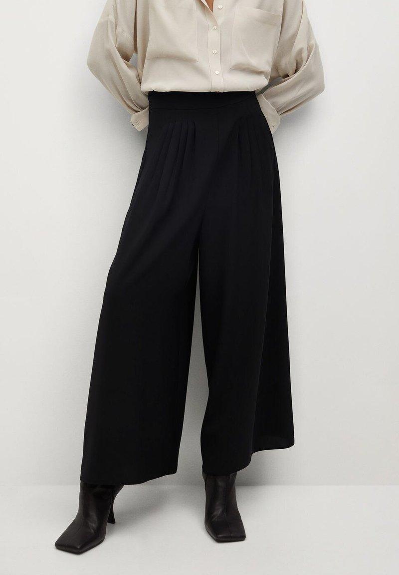 Mango - AREVA - Spodnie materiałowe - schwarz
