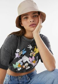 Bershka - AUS DER DISNEY-FAMILIE  - Print T-shirt - dark grey - 3
