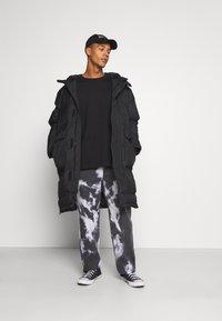 Jaded London - LIGHTNING CLOUD SKATE - Jeans relaxed fit - dark grey - 1