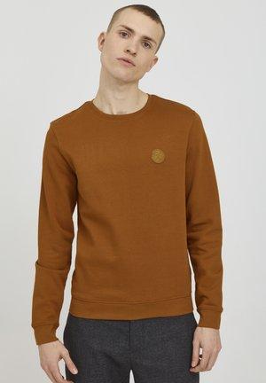 SEBASTIAN - Sweater - roasted pecan