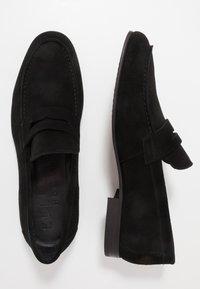 Selected Homme - SLHSTEVE - Nazouvací boty - black - 1