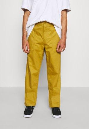 FUNKLEY FATIGUE PANT - Pantaloni - bronze mist