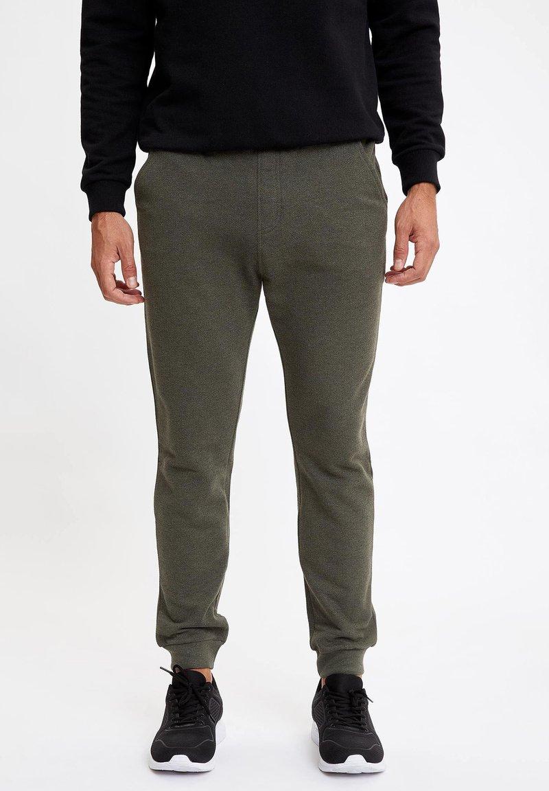 DeFacto - Spodnie treningowe - khaki