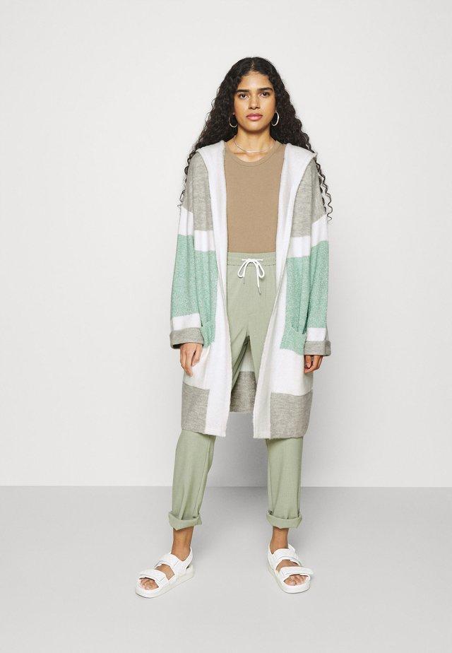 Cardigan - beryl green