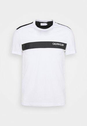 BOLD STRIPE LOGO - T-shirts print - white