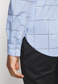 Michael Kors - CHECK EASY CARE SLIM  - Formal shirt - light blue - 6