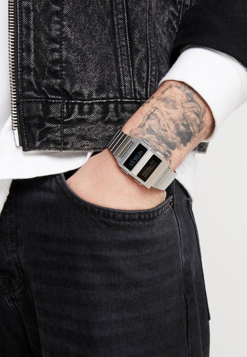 adidas Originals - ARCHIVE M3 - Digitální hodinky - silver-coloued