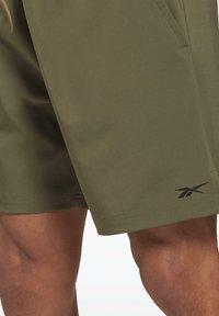 Reebok - UNITED BY FITNESS EPIC+ - Pantalón corto de deporte - green - 4