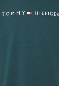 Tommy Hilfiger - TEE LOGO - Pyjamapaita - blue - 2