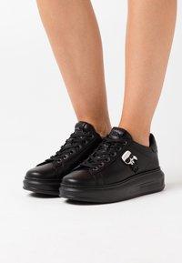 KARL LAGERFELD - KAPRI IKONIC LACE - Sneaker low - black - 0