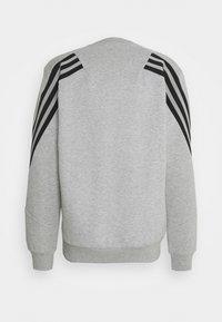 adidas Performance - CREW - Sweatshirt - medium grey heather - 1