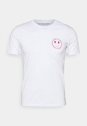 CRÈME DE LA CRÈME UNISEX - Print T-shirt - white