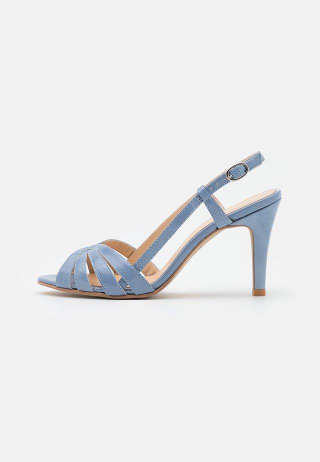 ANDES - Sandales à talons hauts - brillant bleu azur