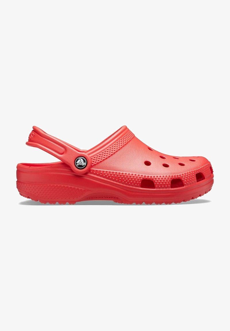 Crocs - CLASSIC UNISEX - Badsandaler - flame