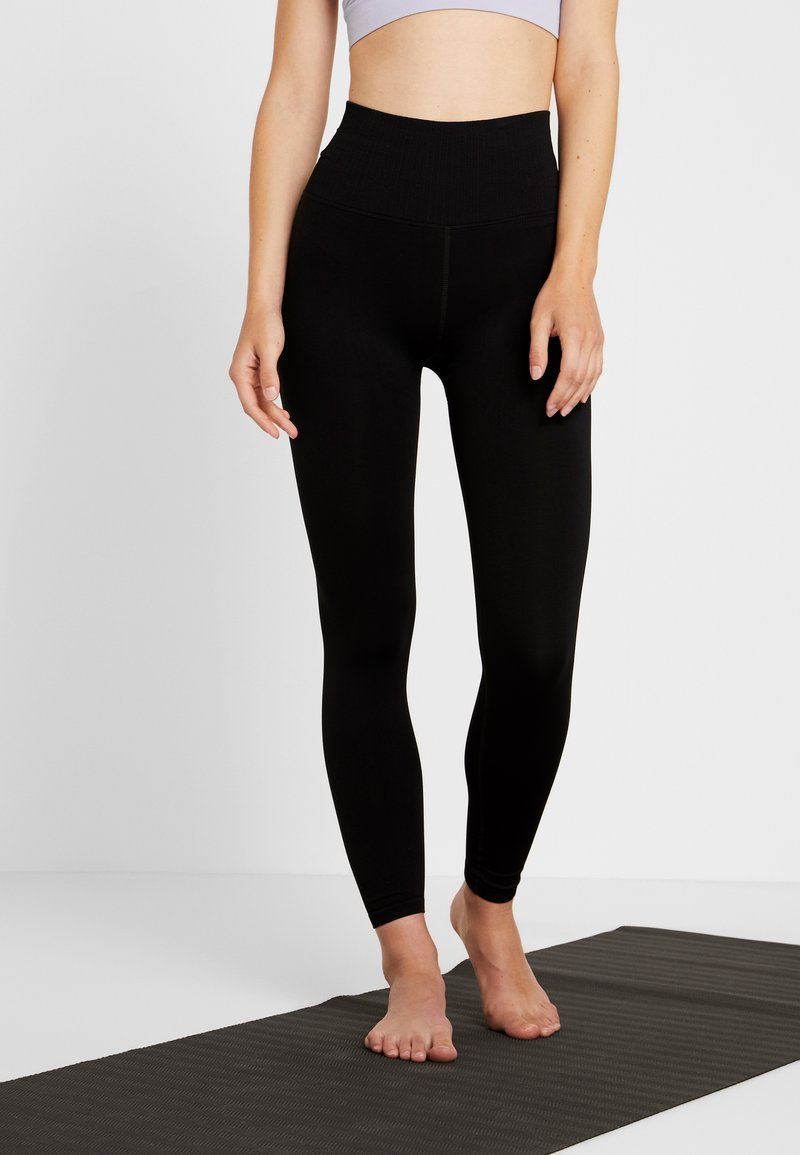 Free People - GOOD KARMA LEGGING - Medias - black