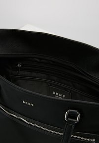 DKNY - CASEY LARGE TOTE - Shopping bags - black - 4