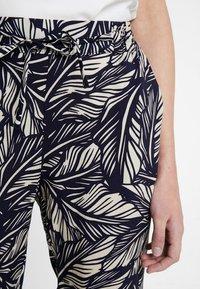 Vero Moda - VMSIMPLY EASY PANT - Trousers - night sky/litas - 4