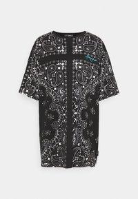 SJXMG BANDANA PRINT OVERSIZED  - Denní šaty - black
