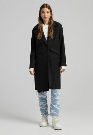 MIT FALLENDEN SCHULTERNÄHTEN  - Klasyczny płaszcz - black