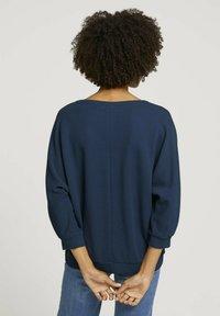 TOM TAILOR - LOOSE MIT STRUKTUR - T-shirt à manches longues - denim blue - 2