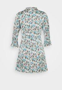 Glamorous Petite - HIGH NECK SHIRRED LONG SLEEVE MINI DRESS - Korte jurk - confetti floral - 1