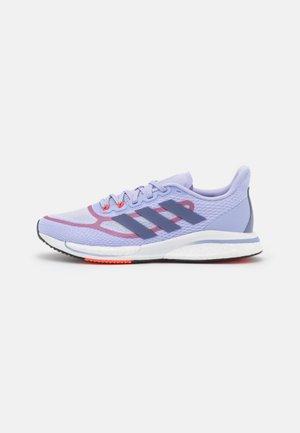 SUPERNOVA  - Neutral running shoes - violet tone/orbit violet/solar red