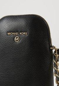 MICHAEL Michael Kors - JET SET XBODY SOFT - Umhängetasche - black - 5