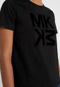 MICHAEL Michael Kors - BABY TEE - Print T-shirt - black - 5