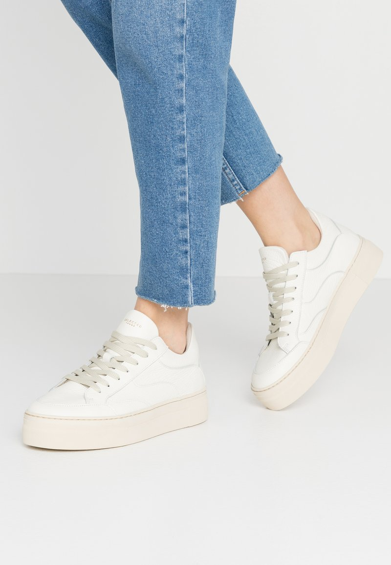 Selected Femme - SLFANNA NEW TRAINER  - Trainers - white