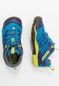 Keen - CHANDLER CNX - Zapatillas de senderismo - brilliant blue/blue depths - 0