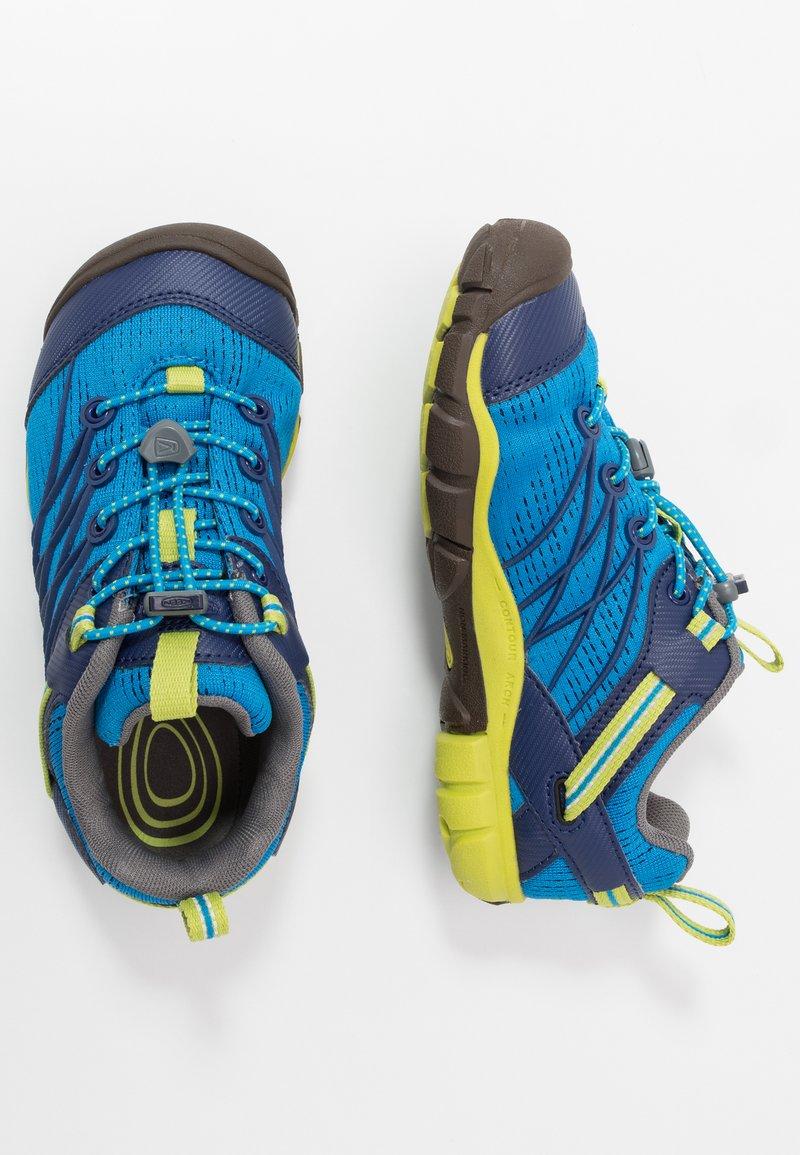 Keen - CHANDLER CNX - Zapatillas de senderismo - brilliant blue/blue depths