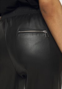 KARL LAGERFELD - JOGGERS - Kalhoty - black - 4