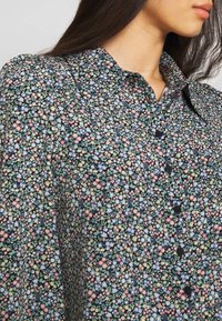 Monki - NALA BLOUSE - Camicia - black - 4