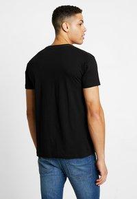 Esprit - Camiseta estampada - black - 2