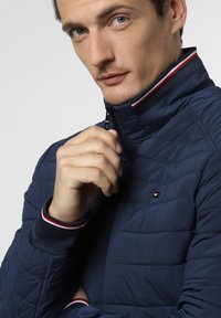 Tommy Hilfiger - Light jacket - marine - 2