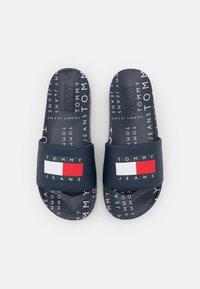 Tommy Jeans - HERITAGE POOL SLIDE - Pantofle - twilight navy - 0