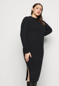 Pieces Curve - PCDISA MOCK NECK DRESS CURVE - Jumper dress - black - 3