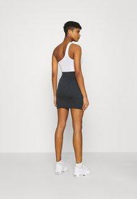Nike Sportswear - AIR SKIRT - Falda de tubo - black/white - 2