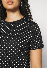 Lauren Ralph Lauren Woman - ALLI SHORT SLEEVE - T-shirt con stampa - black/white - 4