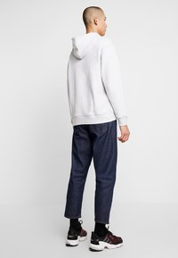 adidas Originals - HOODY - Bluza z kapturem - light grey heather - 2