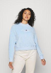 Tommy Jeans Curve - CREW - Sweatshirt - light powdery blue - 0