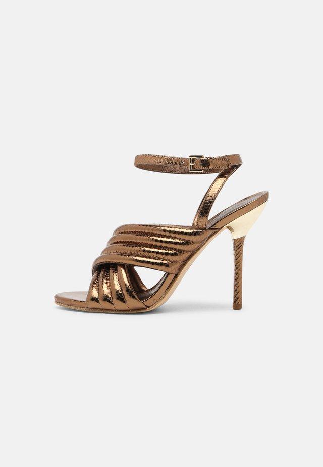 ROYCE - Sandalen - dark bronze