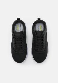 Champion - LOW CUT SHOE NYAME - Sportovní boty - black - 3