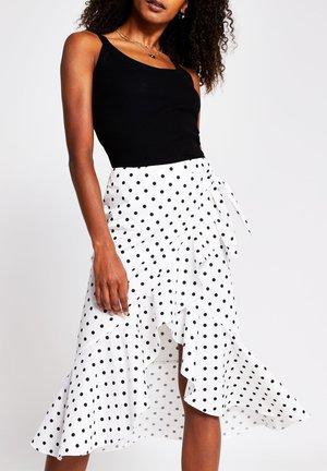 Wrap skirt - white