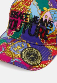 Versace Jeans Couture - Czapka z daszkiem - multi-coloured/gold - 5
