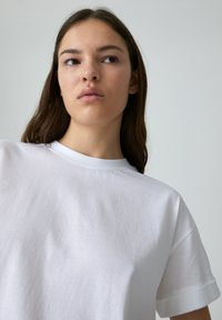 EDITED - SELENA - Basic T-shirt - white - 3