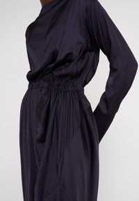 Vivienne Westwood Anglomania - NEW FARRITA DRESS - Cocktail dress / Party dress - navy - 8