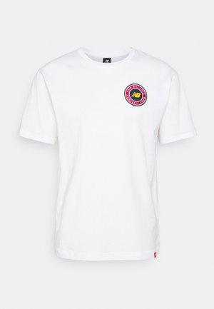 ESSENTIALS ATHLETIC CLUB LOGO TEE - Print T-shirt - white